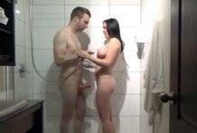 Porno – spoločná sprcha na hoteli