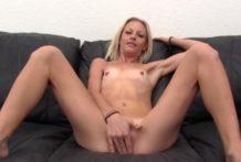 Casting a porno s blondínkou
