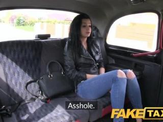 Fake Taxi - Kráska sa nechá pretiahnuť