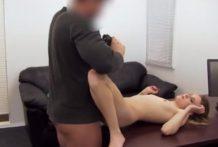 S mladou na porno castingu