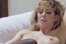 Staršia žena si užíva sexík