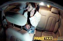 Fake taxi – sexík v jeho autíčku