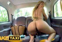 Sexíček s taxikárom vo fake taxi