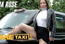 Porno z fake taxi s mladou cicou