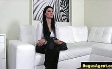 Sex na kastingu s mladou sexy Češkou